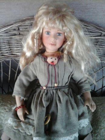 Păpuşă Adele's Puppenhaus nr560 din 1000 buc,ediție limitată