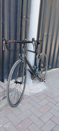 Срочно продаётся шоссейный велосипед