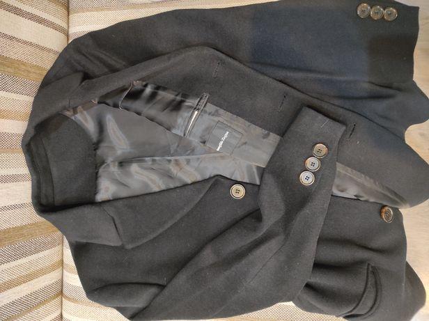 Продам пальто стильное!классика всегда в моде !