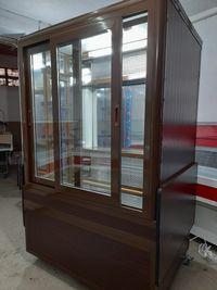 vitrina frigorifica verticala cofetarie