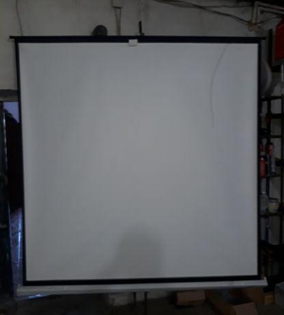 Экран для проектора !