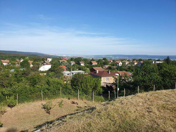 Продавам панорамен парцел с УПИ, граничещ с гора, с. Доброглед