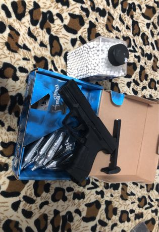 Pistol airsoft walter p99