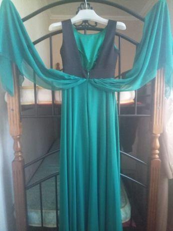 Срочно продам новое платье 38 размер производство Турция из шифона!!!