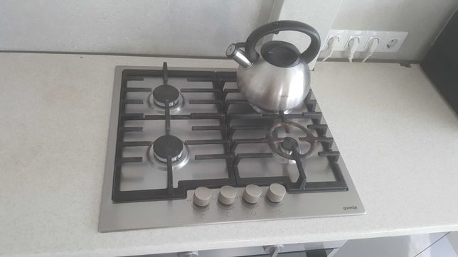 Кухонный гарнитур со всей техникой
