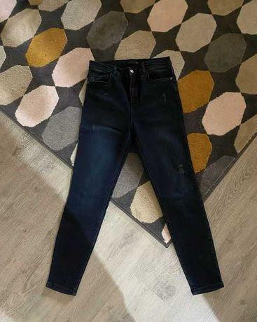 """Продам джинсы в идеальном состоянии фирма """"LC Waikiki"""""""