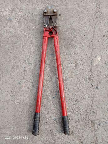 Болторез или ножницы для резки арматуры