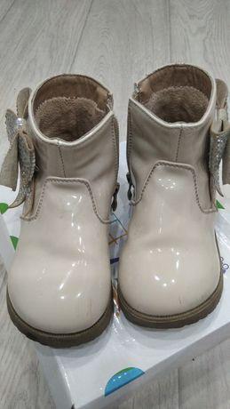 Красивые лакированные ботиночки