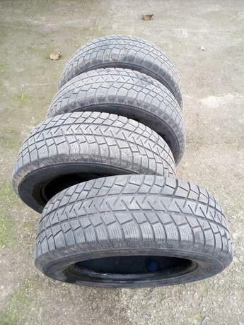 Зимни гуми Мишелин 215*65*16 5мм
