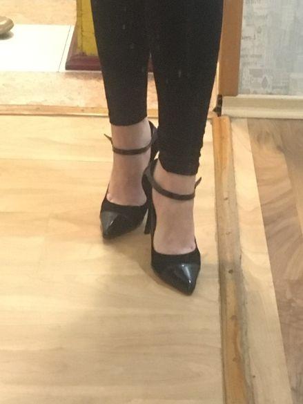 Елегантни обувки на висок ток