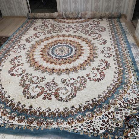 Кашемировый ковёр, состояние хорошее, размеры 2,5 - 5,0