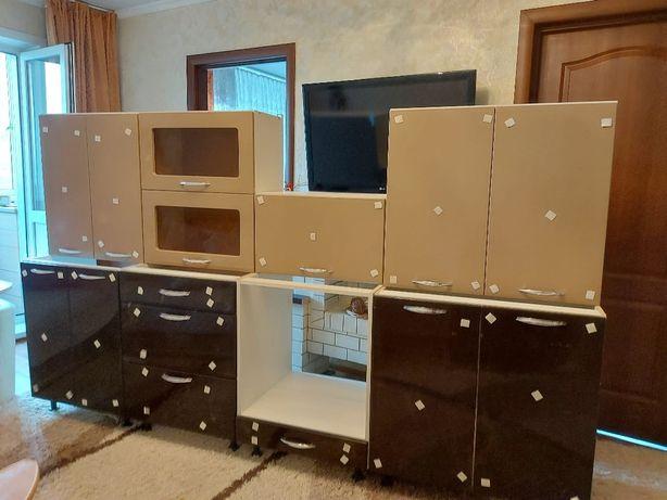Продам      новый     кухонный        гарнитур.    Отличный выбор.