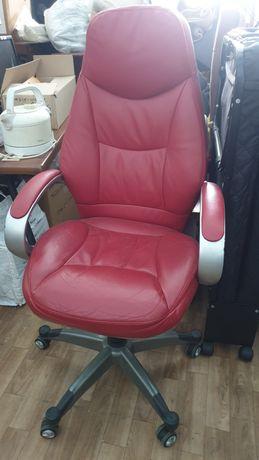 Кресло кожаное. Авторский дизайн.