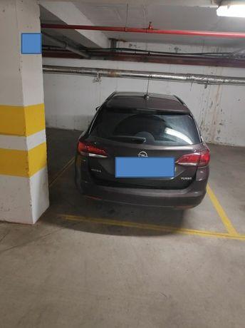 Inchiriez loc de parcare garaj subteran