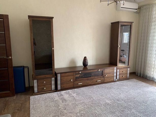 Мебель для гостинной, 2 шкафа и тумба под телевизор