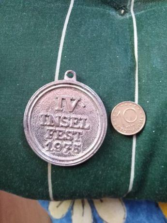 Юбилеен медальон