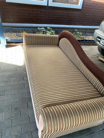 Продается диван софа! Можно разложить на 2х человек