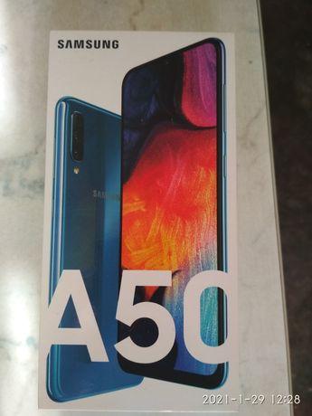 Продам смартфон Самсунг А50.