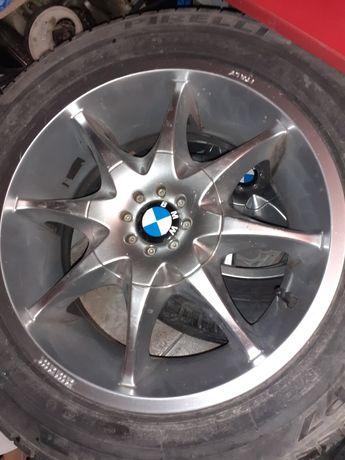 Jenti aliaj BMW cu anvelope Pirelli de vară