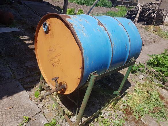 Метален варел за гориво със стойка