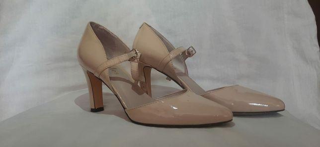 Туфли бежевые б/у