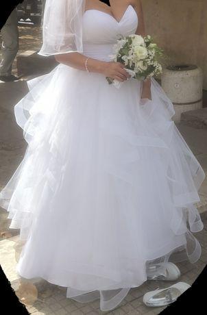 Булчинска рокля снежно бяла
