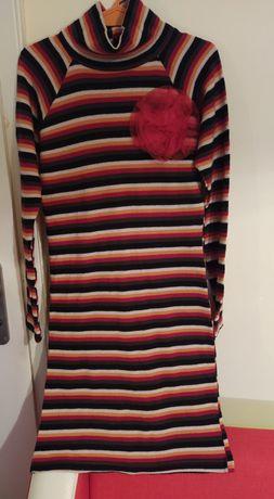 Ежедневна шарена рокля от плътна материя с поло яка