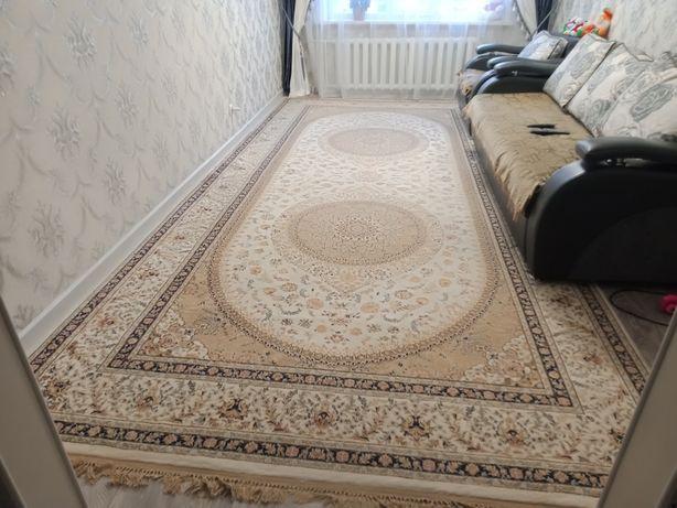 Продам шелковый ковёр