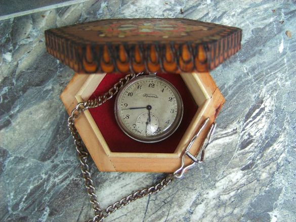 Рядък руски джобен часовник Кристалл