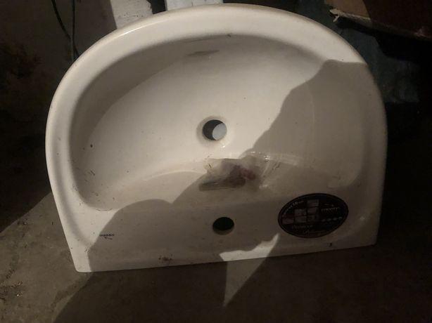 Продам новую раковину для ванны