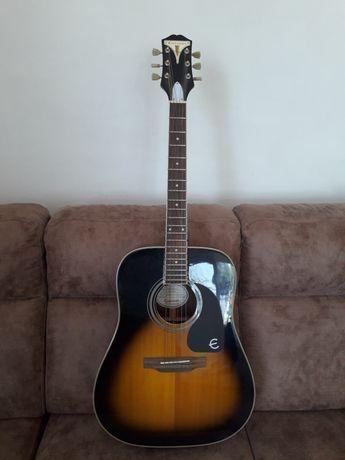 Продаётся акустическая гитара