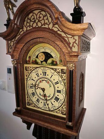 Стенен   бароков  часовник