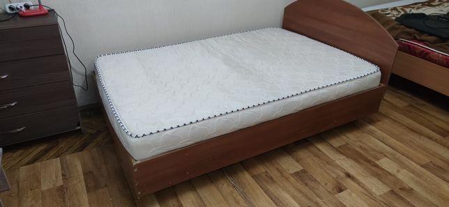 Продам кровать в хорошем состоянии