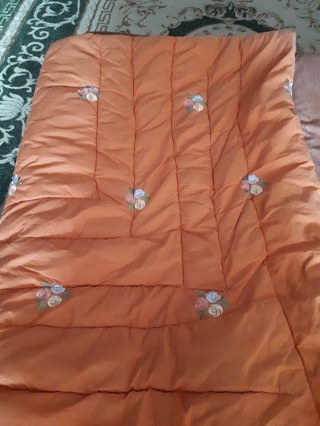 Продам одеяло натур шерсть верблюжка