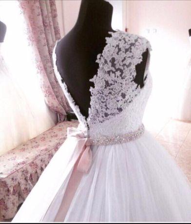Свадебное платье,казна,подушечка для колец,бокалы,диадема