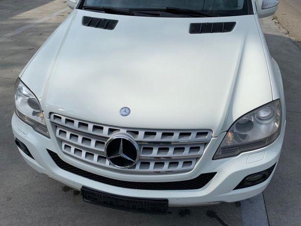 dezmembrez mercedes ml w164 facelift 2009-2012 3.0 v6 euro 5 piese far
