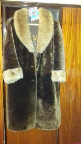 Vând haina Moutonu Dore măsură 50