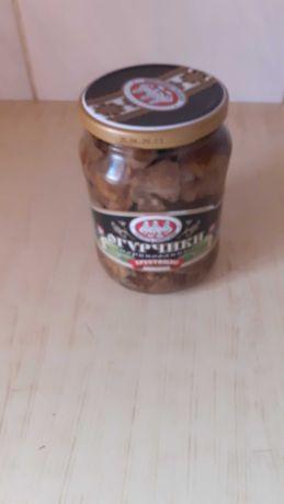 Продам грибы маринованные-лисички в 800-граммовой таре мест. пр-ва