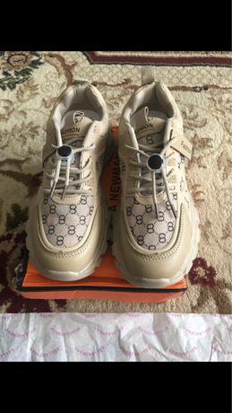 Продам кросы
