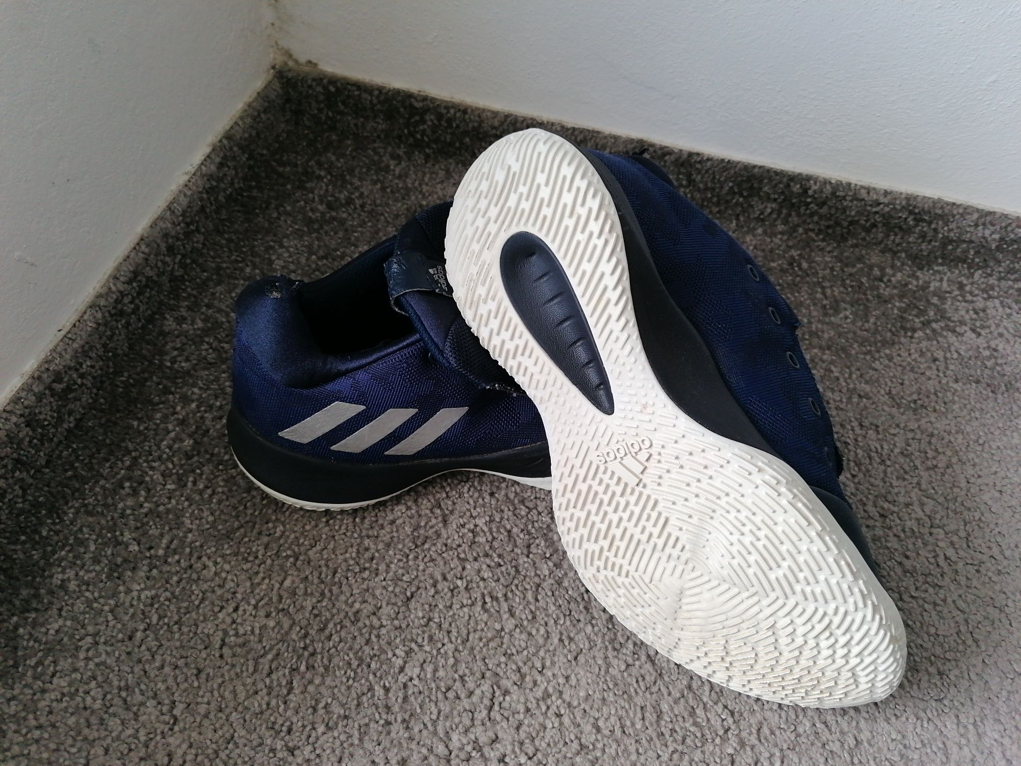 Adidași adidas 42