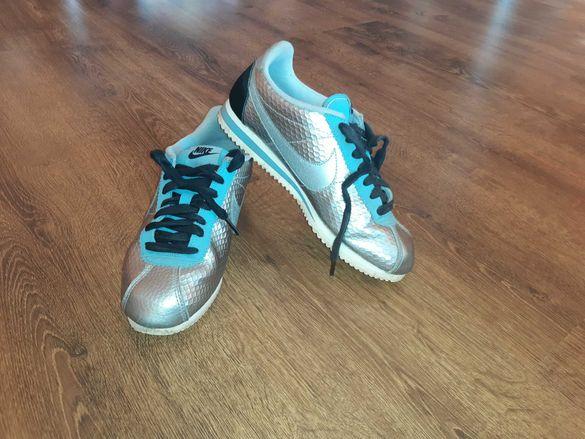 Маратонки Nike