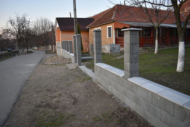 Garduri diferite modele