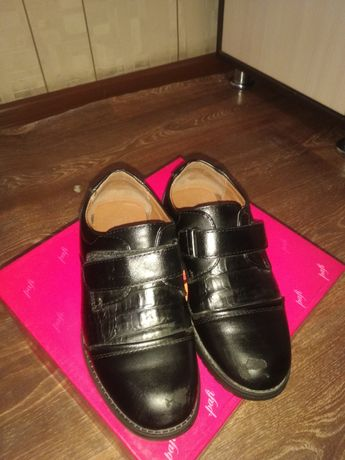 Продам туфли детский