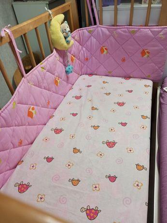 Продам детскую кроватку-манеж с множеством подарков