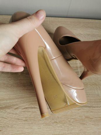 Продам туфли почти новые