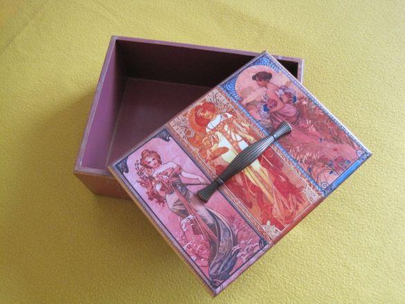Дървена кутия с капак за спомени