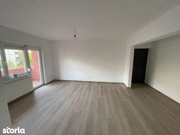 Apartament 3 camere Micro 16 renovat integral