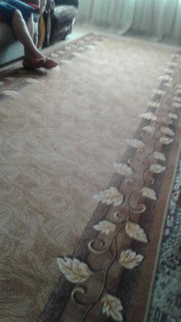 Продам ковровую дорожку б^у