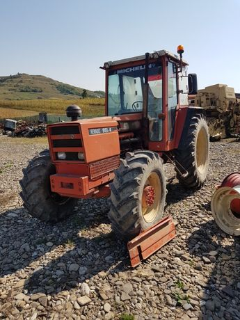 Dezmembrez Tractor Renault  951-4