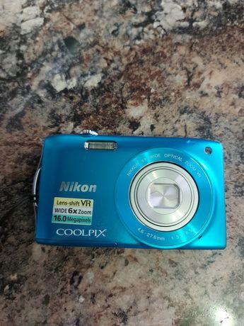 Продам б/у цифровой фотоаппарат